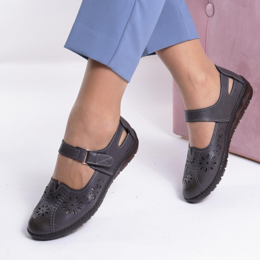 Pantofi gri Razina