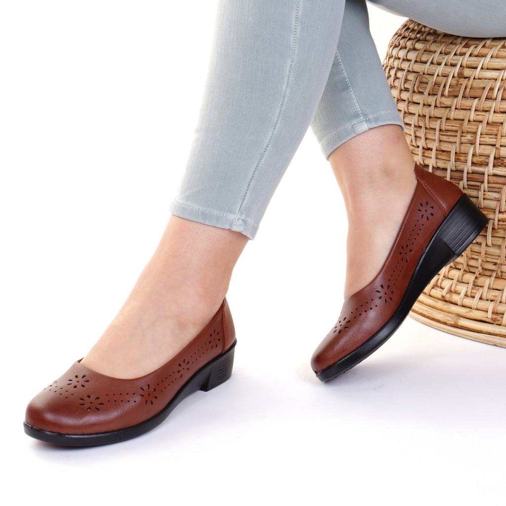 Pantofi piele ecologica maro Donata