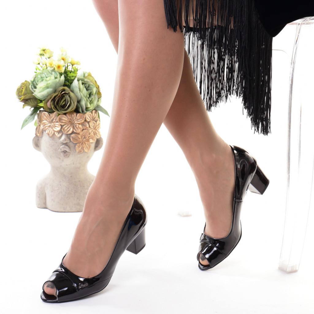 Pantofi negri piele ecologica Amiga