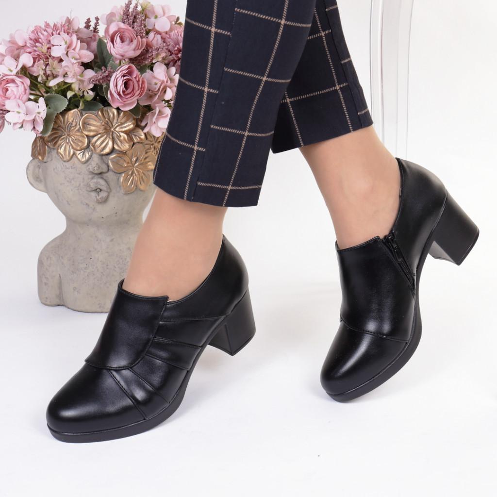 Pantofi piele ecologica Robertina
