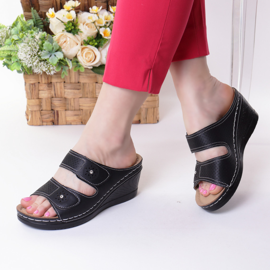 Papuci negri piele ecologica Levana