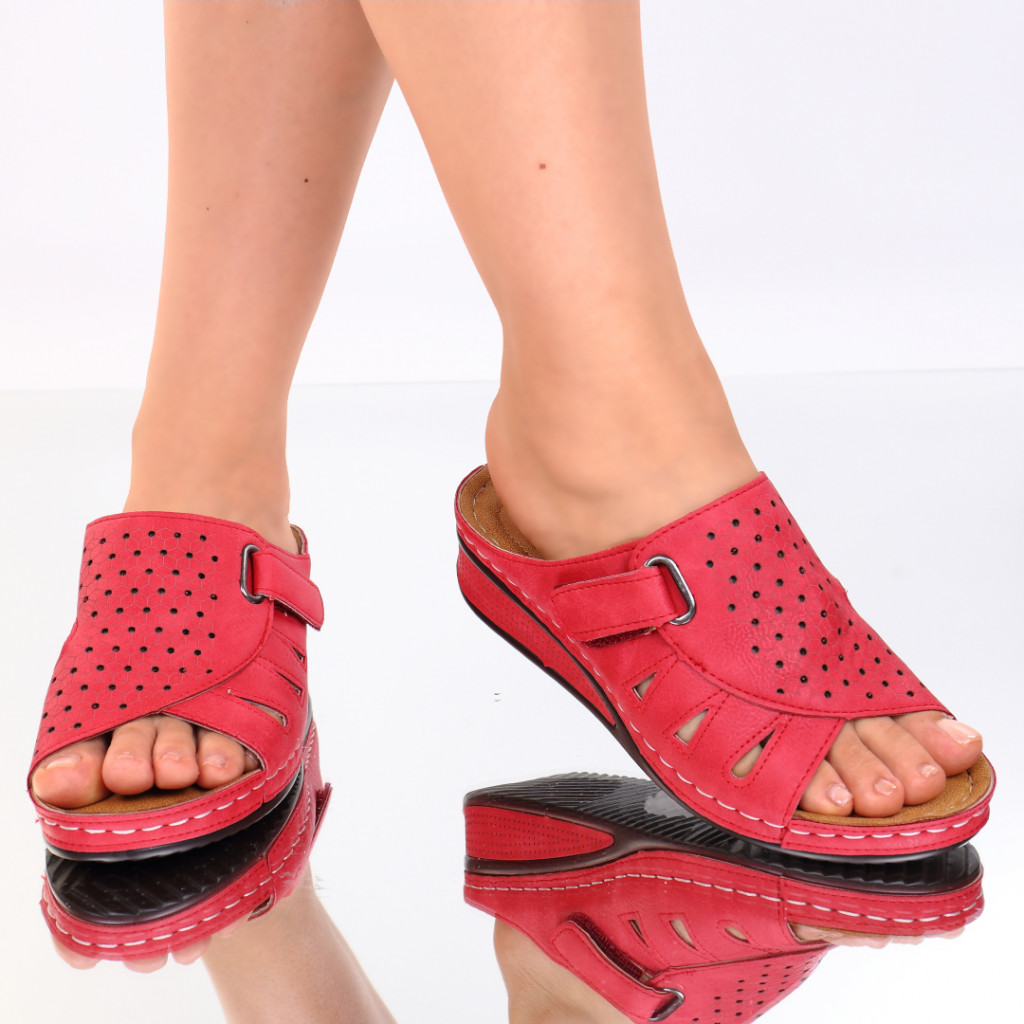 Papuci rosii piele ecologica Giovana