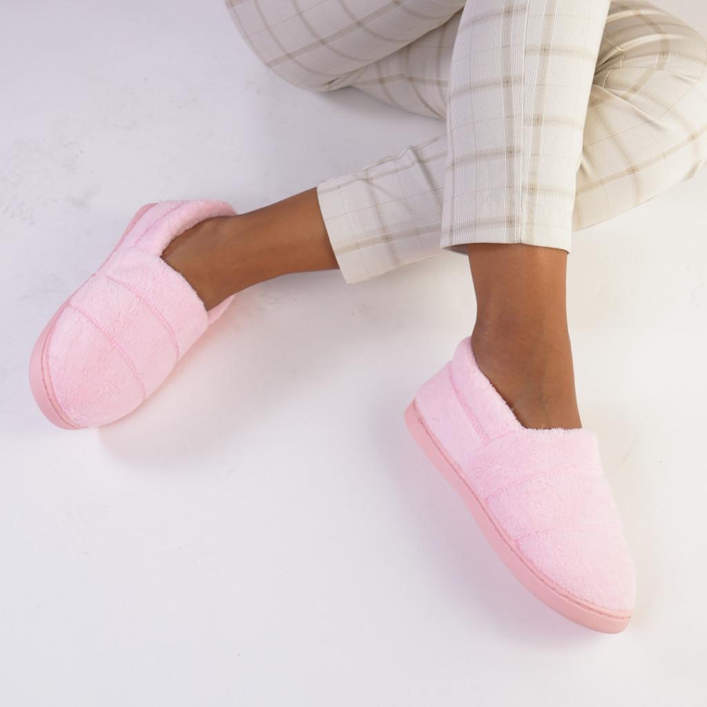 Mocasini caldurosi roz bombon Lupe