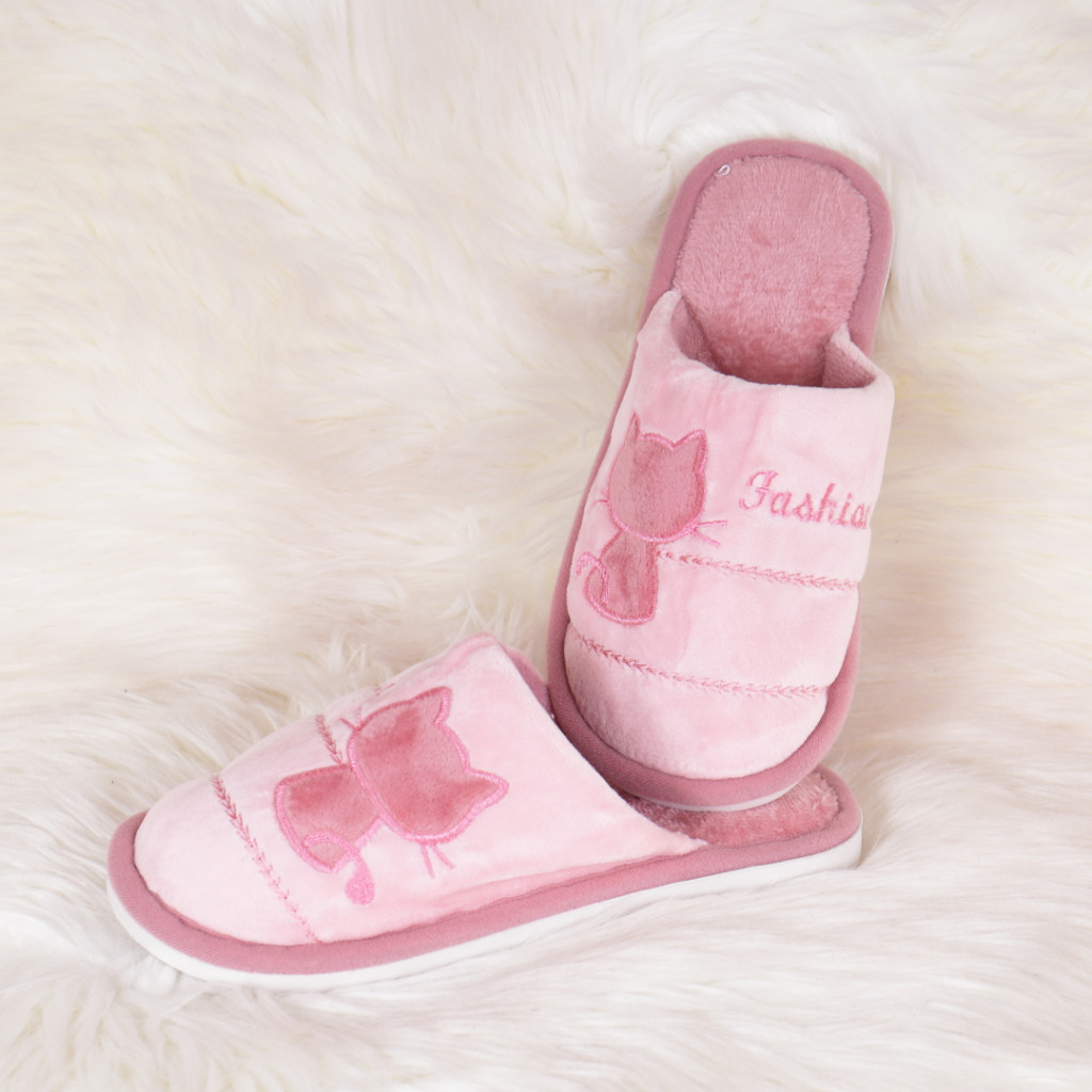 Papuci de casa roz cu pisica Tita