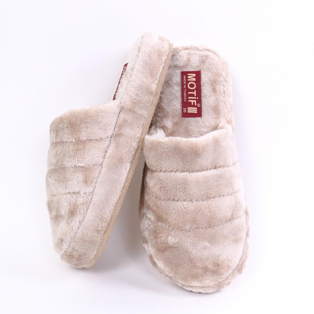 Papuci simpli pufosi bej Carsi