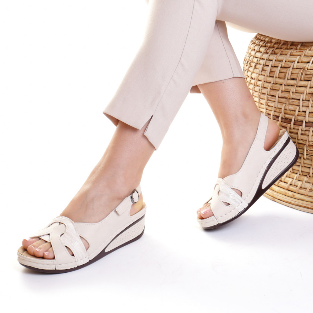 Sandale piele ecologica crem Mihaela