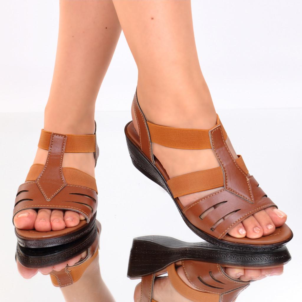 Sandale piele ecologica maro Macarena