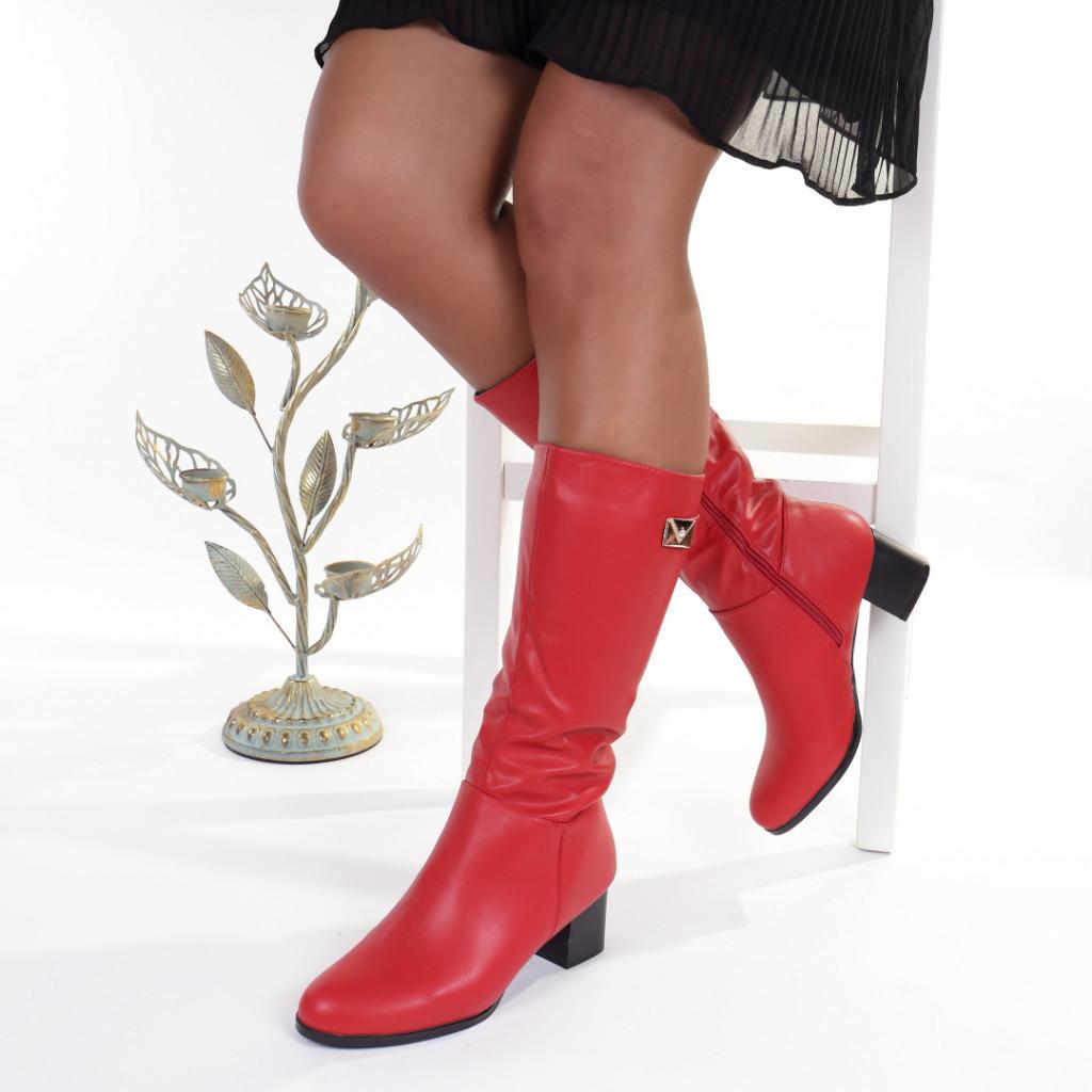 Cizme rosii cambrate pe picior imblanite Orlanda