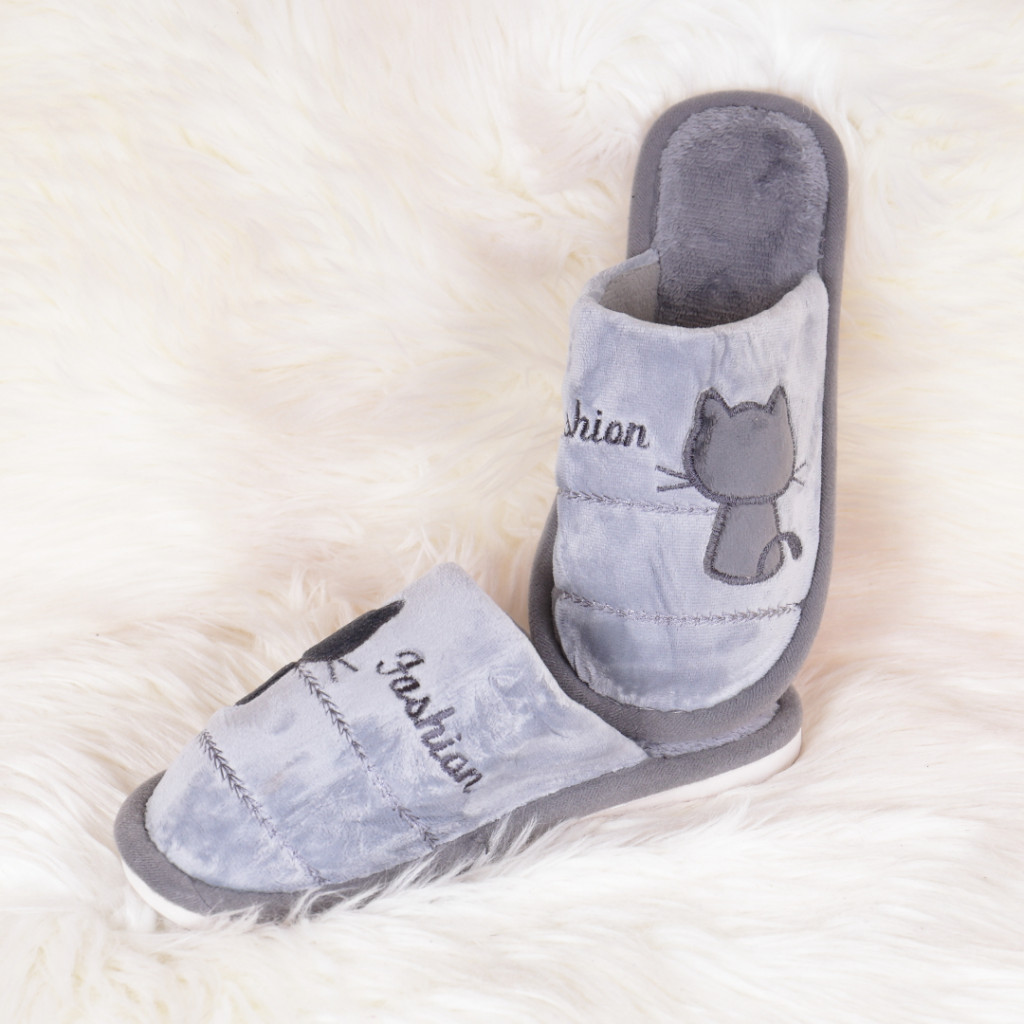 Papuci de casa gri cu pisica Tita