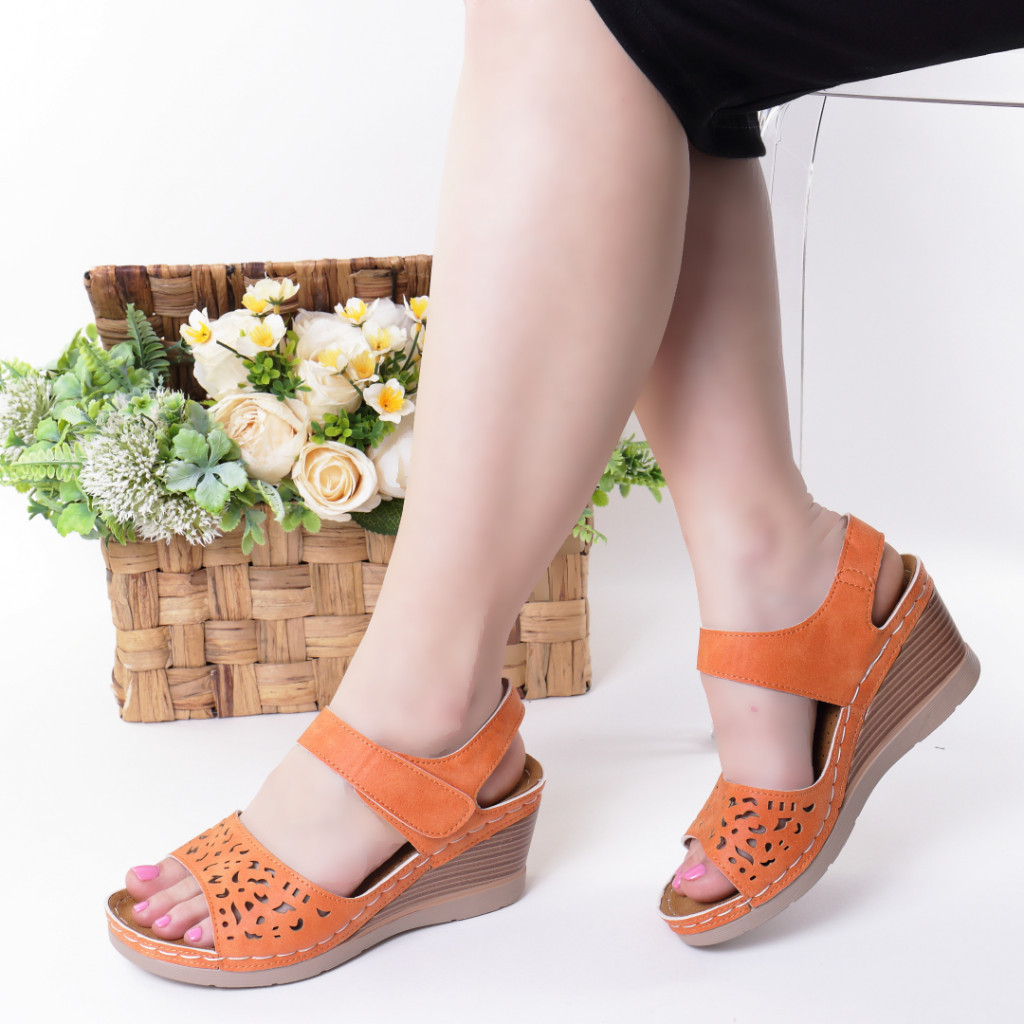 Sandale portocalii piele ecologica Hara