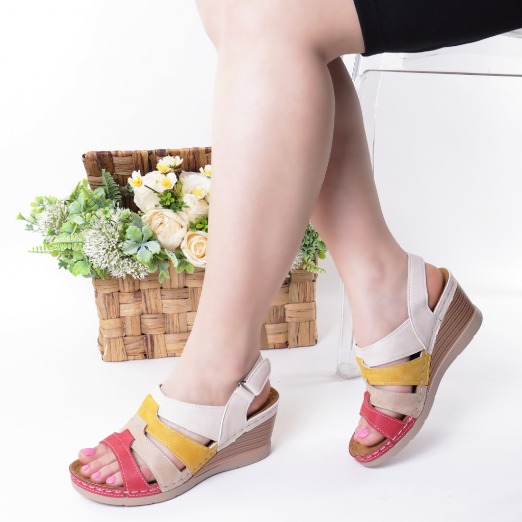 Sandale rosu cu bej piele ecologica Giorgia