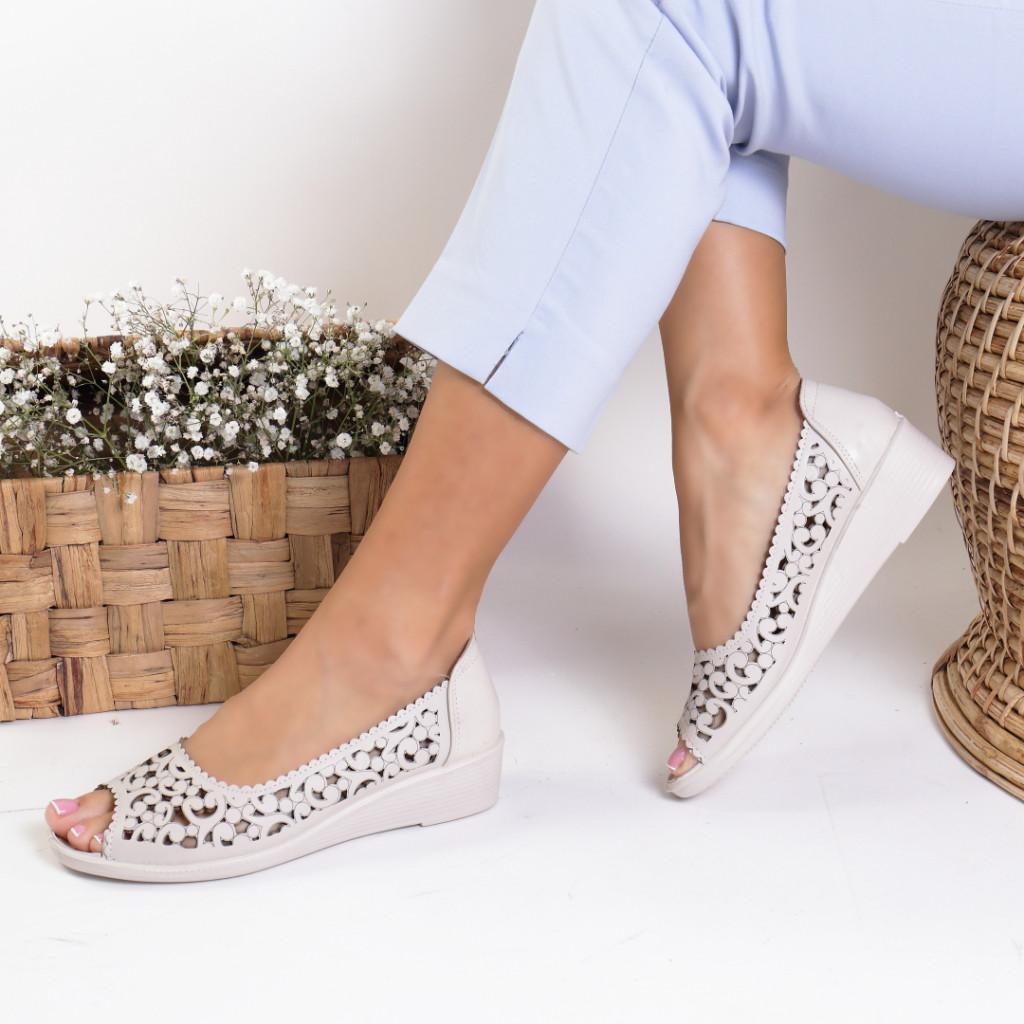 Pantofi piele ecologica bej India