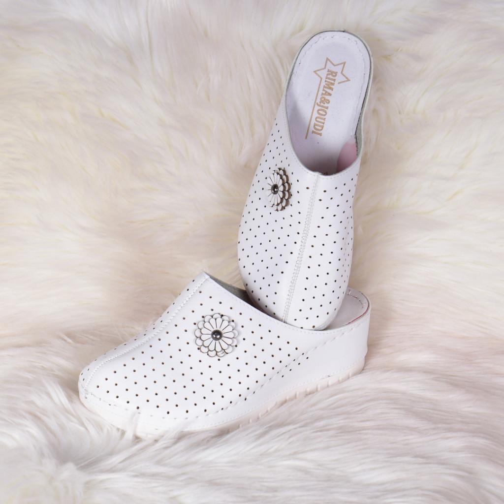 Papuci medicinali albi din piele ecologica Tila