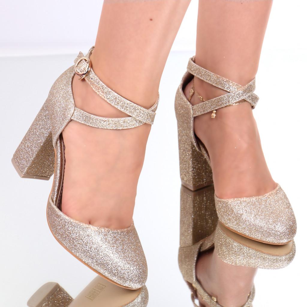 Pantofi cu sclipici aurii Sanziana