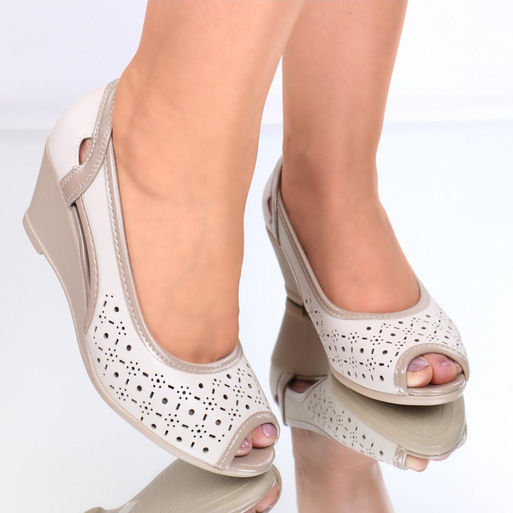 Pantofi piele ecologica bej Nastasia