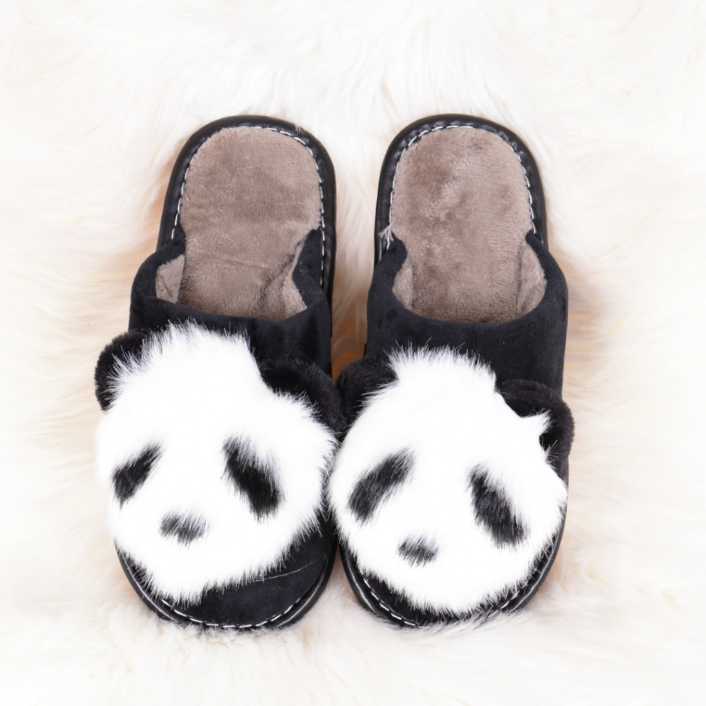 Papuci de casa cu panda negrii Linzi