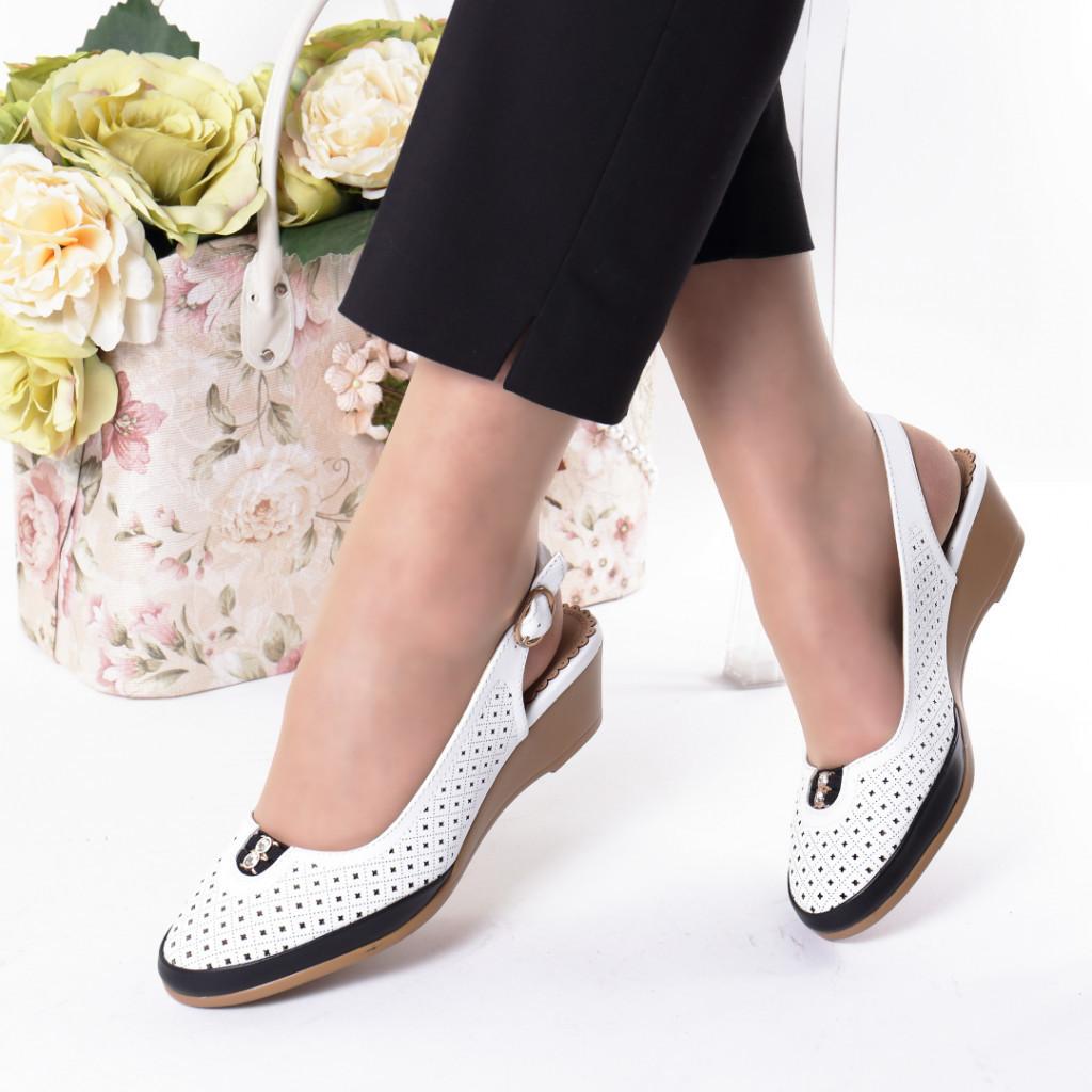 Pantofi albi piele ecologica Nazika