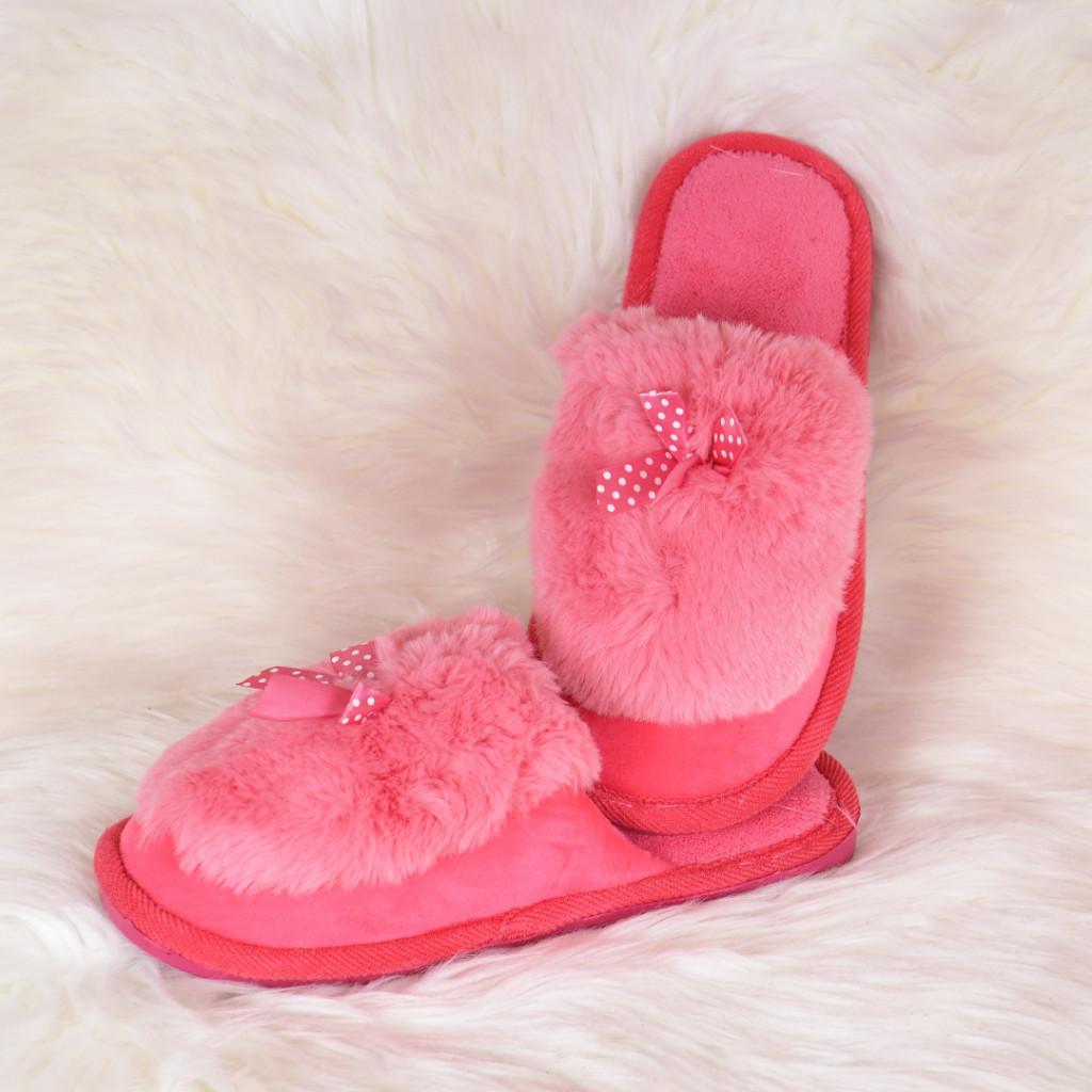Papuci de casa roz cu fundita si puf Hatia
