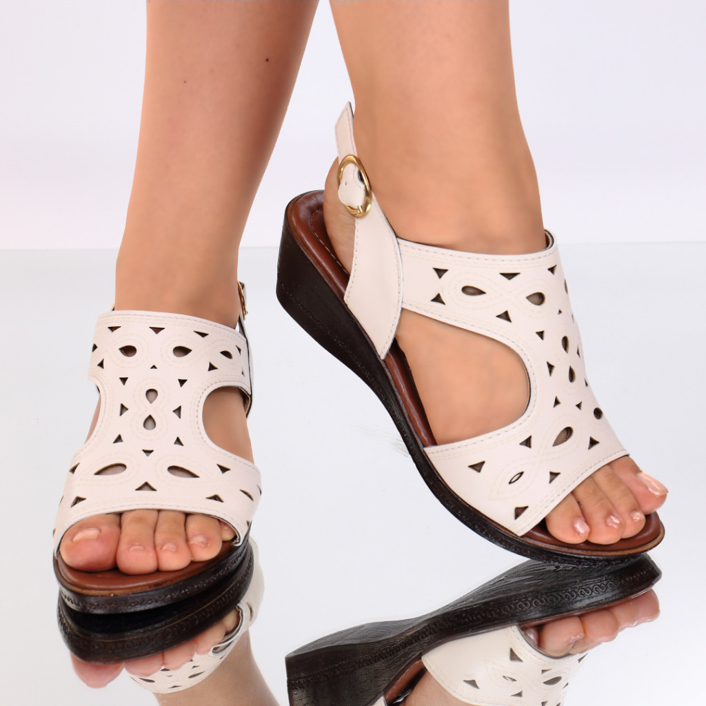 Sandale piele ecologica crem Labonita