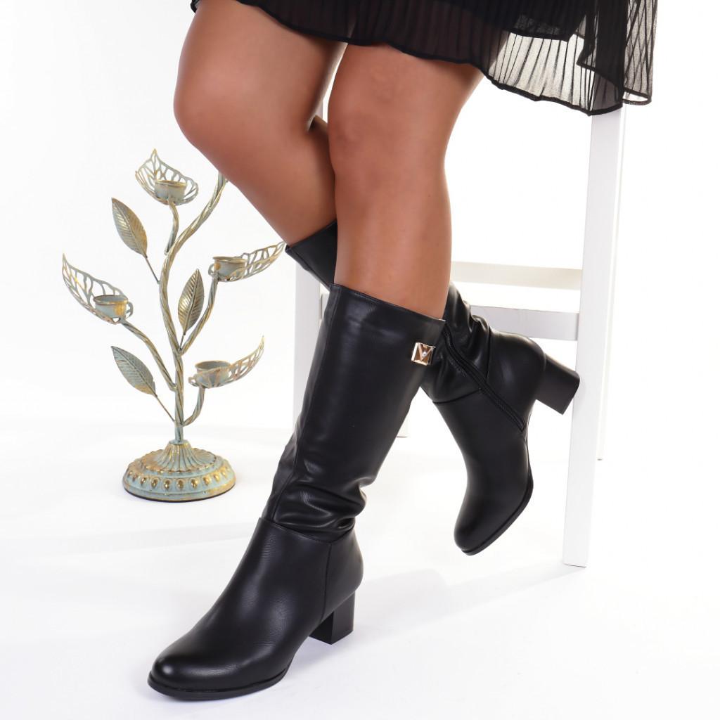 Cizme negre cambrate pe picior imblanite Orlanda