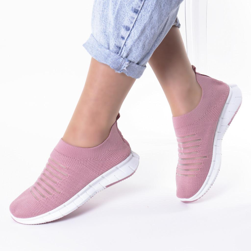 Adidasi roz material textil Delma