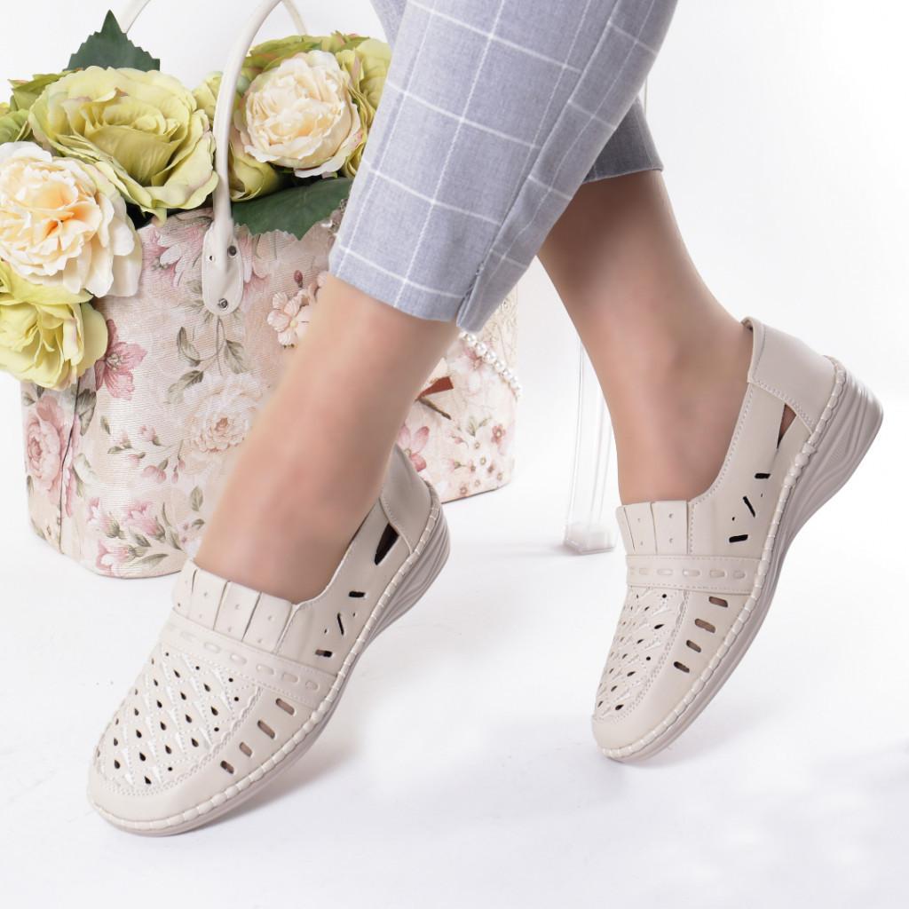 Pantofi bej piele ecologica Radita