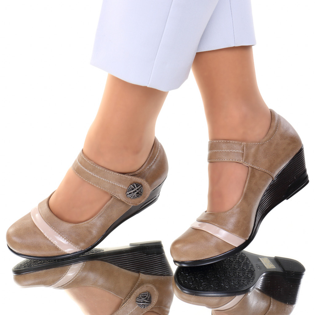 Pantofi piele ecologica bej Salma