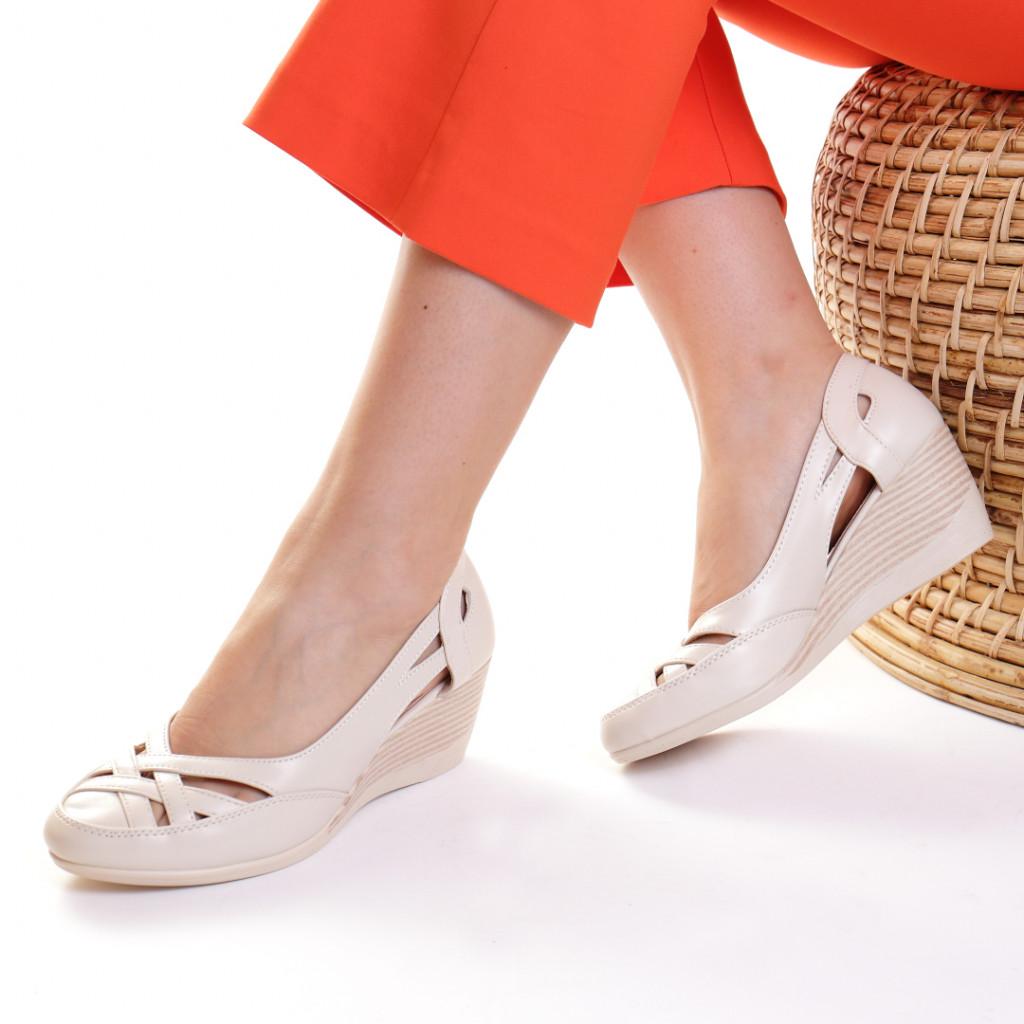 Pantofi piele ecologica crem Akulina