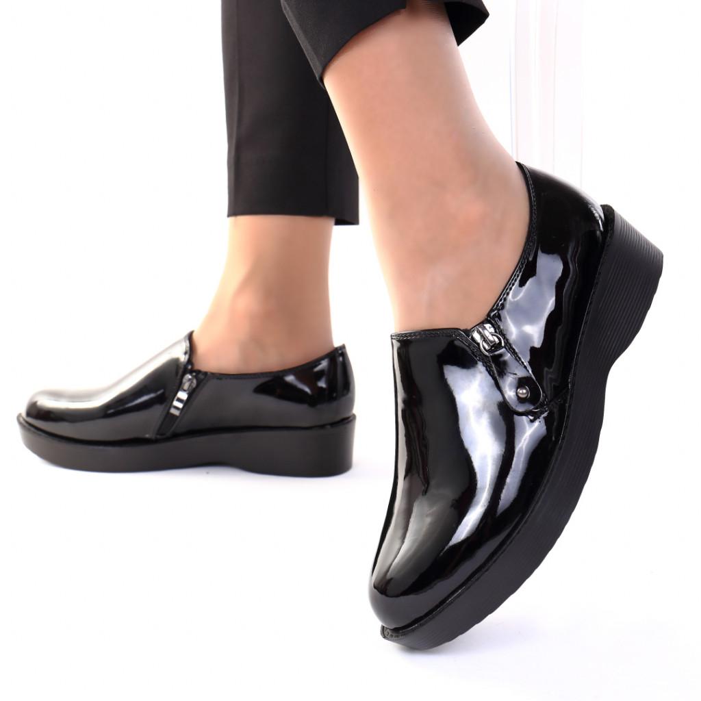 Pantofi piele ecologica lacuita Forma