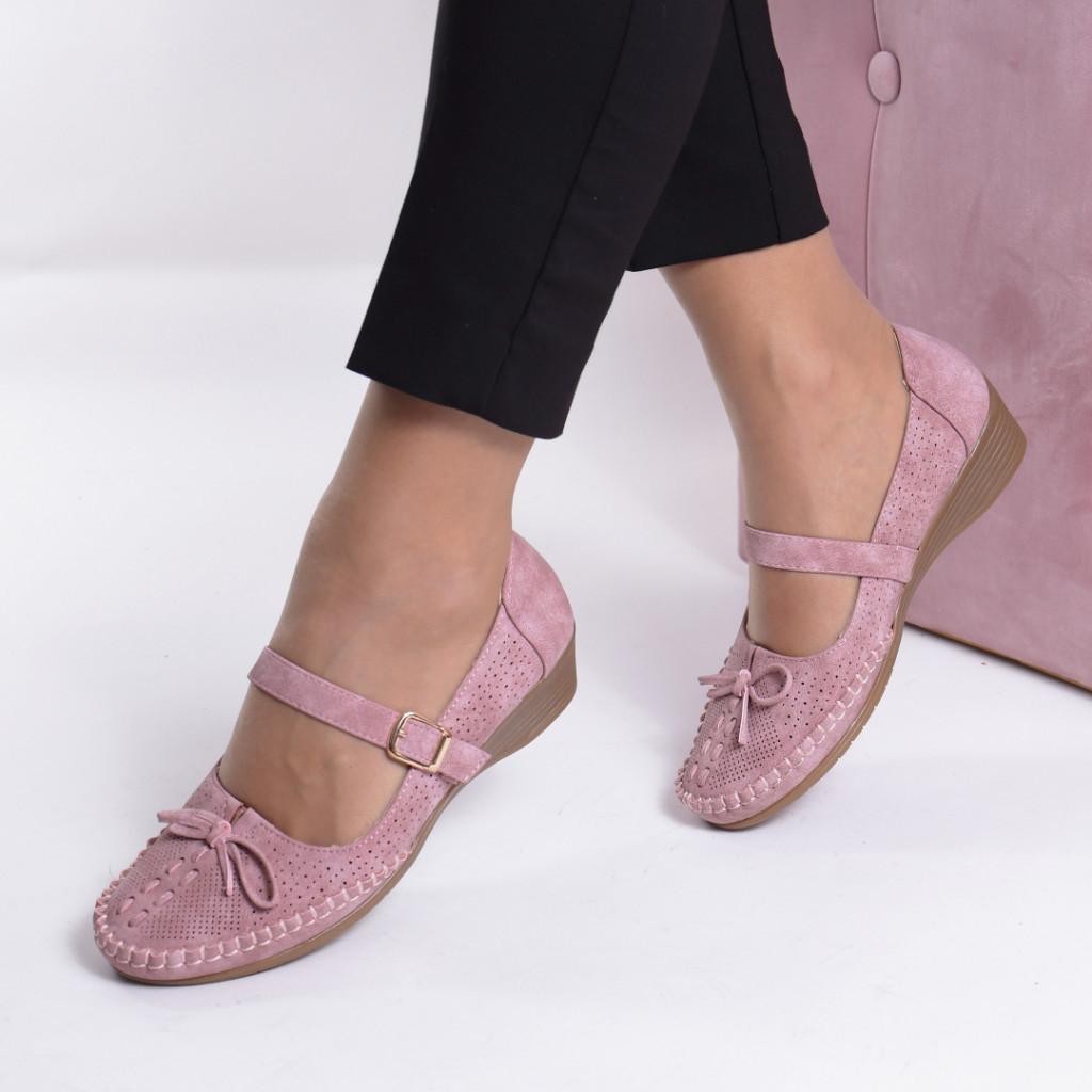 Pantofi roz Croita