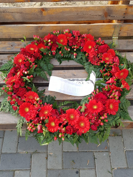 coroana-funerara-flori-naturale-rosii-70-cm