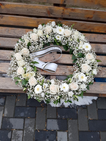 Coroana-funerară-flori-albe-naturale-50 cm