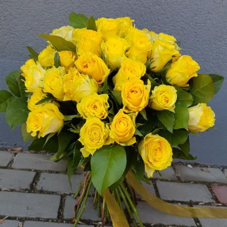 buchet-45-trandafiri-galbeni