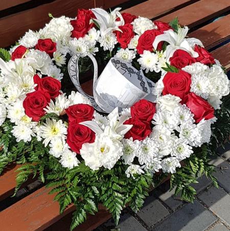 coroana-funerara-60-cm-flori-albe-flori-rosii