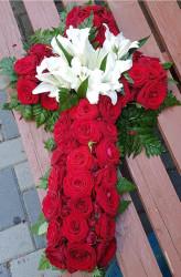 Cruce de flori din Trandafiri si Crini