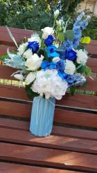 aranjament-floral-albastru-1