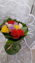Buchet 11 trandafiri colorati
