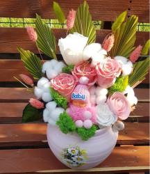 Aranjament floral cu Trandafiri criogenati in vas pictat