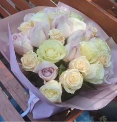 buchet-33-trandafiri-pastel-2