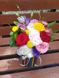 Aranjament Floral in cutie cu creioane colorate