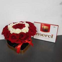 Trandafiri in cutie si ciocolata