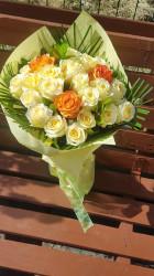 Buchet de 27 trandafiri galbeni