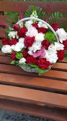 Aranjament floral în Cos cu bujori