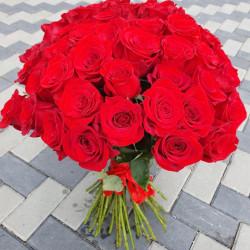 Buchet 51 de trandafiri
