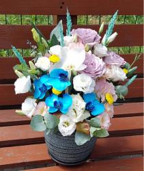 Aranjament Floral cu Orhidee si Trandafiri in vas ceramic