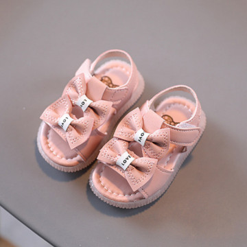 Sandale cu Fundite
