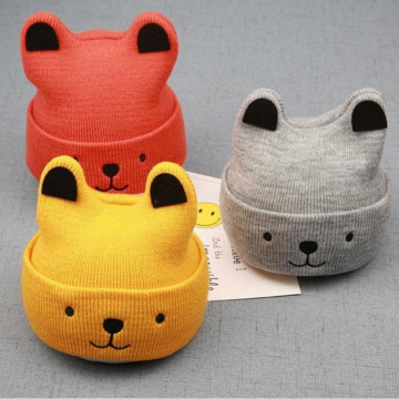 Caciula tricotata Winnie