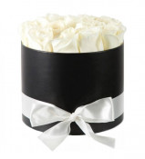 Aranjament floral alb Trandafiri parfumati de sapun, in cutie neagra Luxury