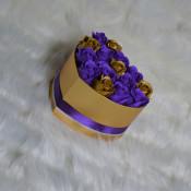 Aranjament floral Miracle Purple cutie inima cu 15 trandafiri sapun