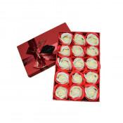 Cutie cadou Happy Days cu 15 trandafiri din sapun, rosu si alb